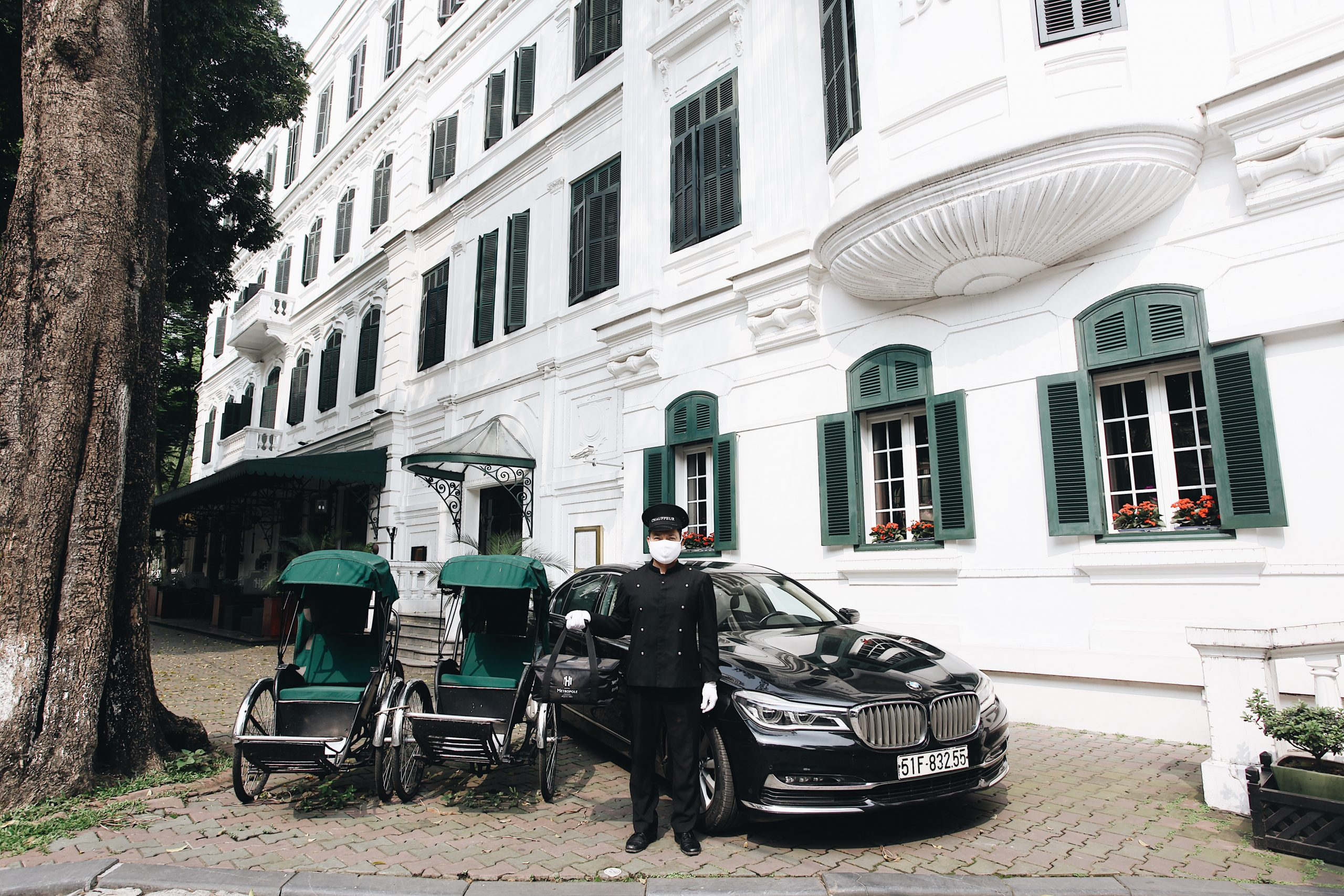 metropole-hanoi-introduces-new-takeaway-and-food-delivery-serrvices