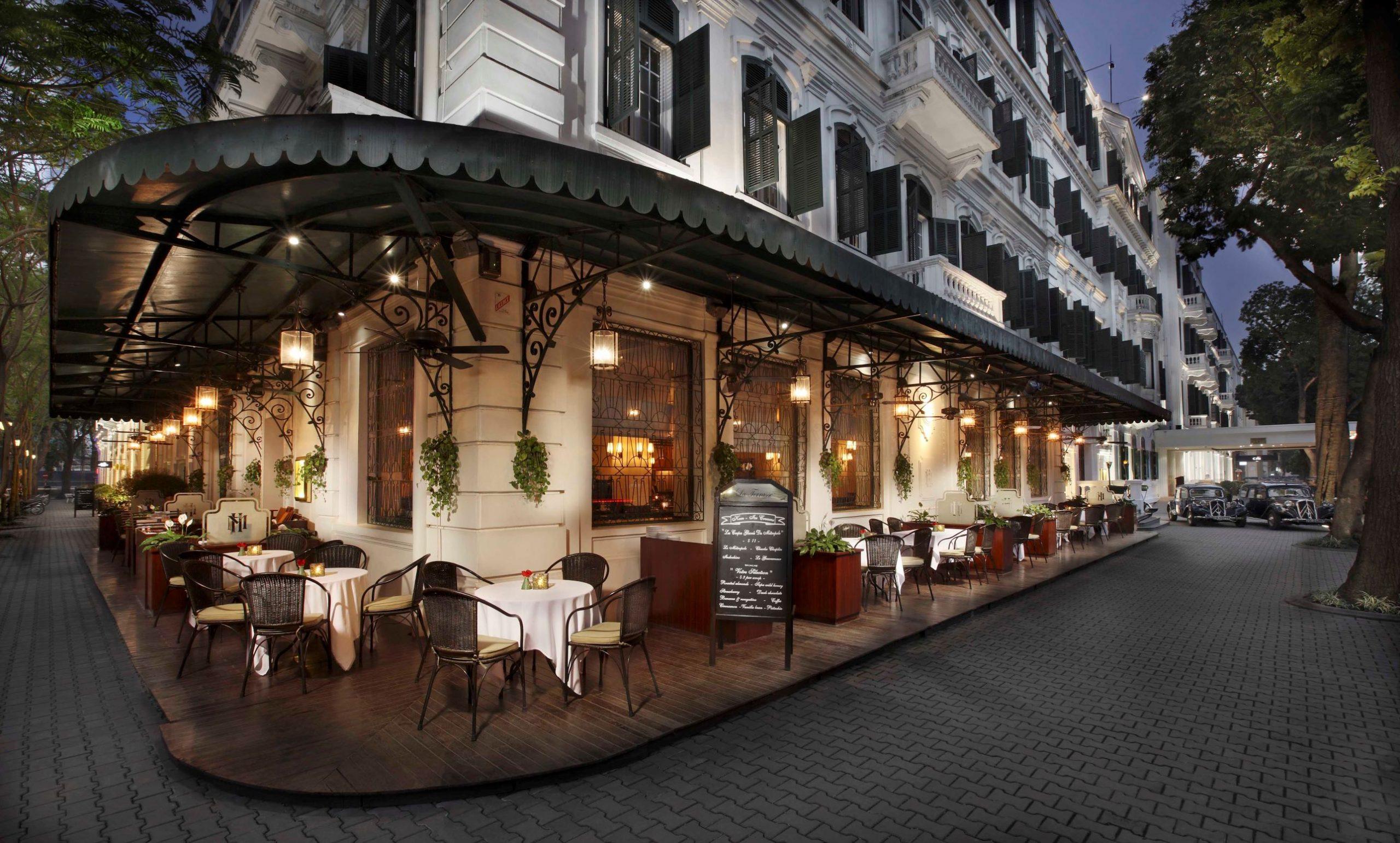 ban-da-biet-5-quan-cafe-sang-trong-view-doc-nhat-ha-noi